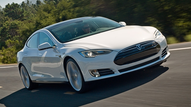 xxl_Tesla-Model-S-lead-624-970-80